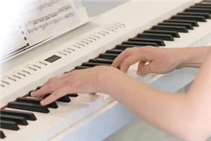Pianoles leeftijd, ook voor jonge kinderen.