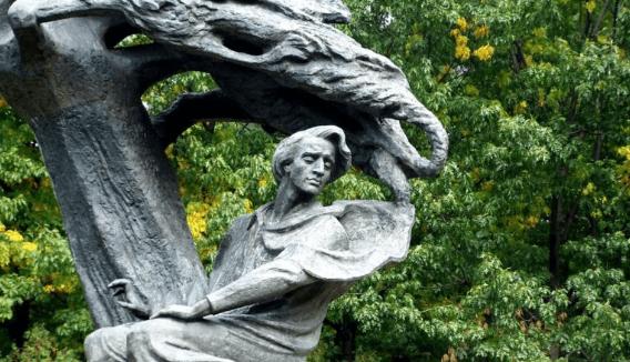 Chopin standbeeld Warschau